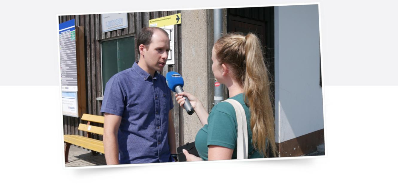 Tim Pargent im Gespräch mit Reporterin